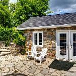 Vineyard View Cottage
