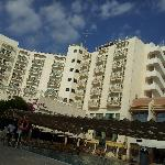 Hotellet fra starnd siden