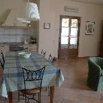Living / diningroom & kitchen