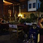 Dem-lik Cafe Bar