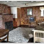 Cottage #6 (Living Room)