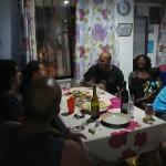 Noche de quesos y vino con la gente del hostel !