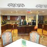 Breakfast/dinner area off lobby
