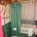 bathroom in Sweney room
