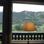 η θέα από το δωμάτιο στις πίστες του σκι