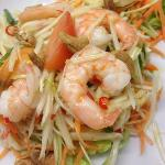 SOM TUM GUNG SOD Thai papaya salad with prawn