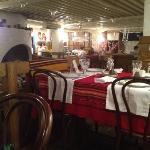"""внутри очень уютно и в хорошем болгарском стиле! скатерти точно """"родные"""":-)"""
