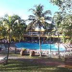 Aire de la piscine extérieure.