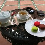 Tea with macaroons