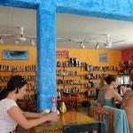 Manana Restaurante & Bookshop Foto