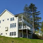 Luxury Accomadations with fireplace and veranda overlooking Ottaquechee River