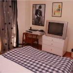 Puraani Jeans- AC single bed room with a nice terrace