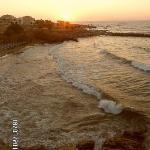 Le soleil couchant sur la mer