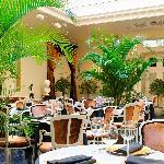 SUIUTE Restaurant in day light