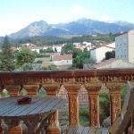 Vue du balcon coté jardin sur Canigou