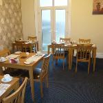 Bright Modern Dinningroom,