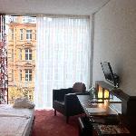 Chambre et baie vitrée