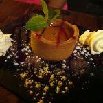 Dessert del giorno, tartellette con crema al frutto della passione.
