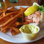 lobster roll & yam fries
