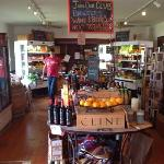 Brewster's is a combination restaurant and country store specializing in fresh, organic food. ho