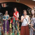Esther, Sarah, Amy and Bethan get guidance from Susan at African Craft Village in downtown Kampa