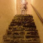 escaliers vers une partie des chambres.