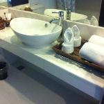洗面台、アメニティー/石鹸、入浴剤、シャワーキャップ程度