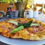 Deli'cious - our casual dining eatery, home made pizzas!