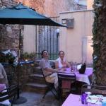 il piccolo cortoledi fianco al locale dove abbiamo cenato.
