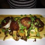 Morel dusted scallops