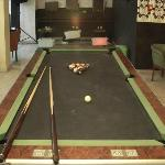 Basement Lounge (pool table)