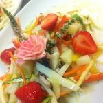 insalatina di seppia con verdure e frutta