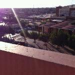 terrasse piscine en face de la gare
