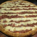 Pizza com massa bem crocante e recheio delicioso
