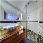 Queen Apartment N°2, Bathroom