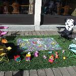 Les enfants s'amusent et jouent pendant que les adultes profitent d'un moment de détente !!!!