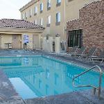 La piscine à bonne température et le spa