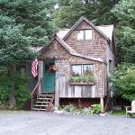 Beach House #2-2 bedroom house, kitchen & bath, sleeps 2-6 people