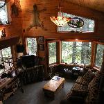 Treefort House great room, 2 beroom, kitchen & bath, sleeps 2-7 people