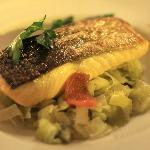 roasted salmon, with braised leeks, dried tomatoes and truffled oil (main course)