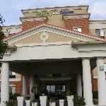 Front of the Holiday Inn Express