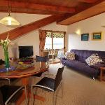 Bellevue Apartment lounge area