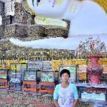อุบาสิกาที่ศรัทธาจากไทย