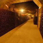 Entre 3 et 4 millions de bouteilles en cave