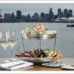 Pier 7 restaurant + bar