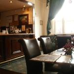 the dining room/bar