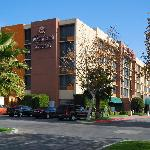 클라리온 호텔 베이커즈필드