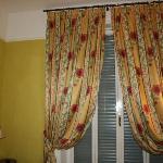 cortinas testilo típico romano