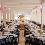 Ampia e luminosa sala ristorante