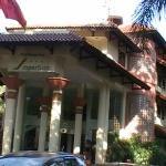 Front Entrance Imperium International Hotel Bandung